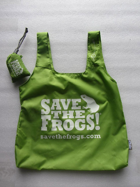 frog tote bags