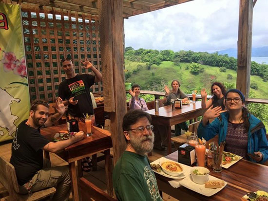 arenal macadamia y cafe group 1