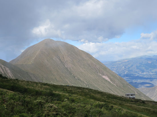 el crater mountain view.jpg