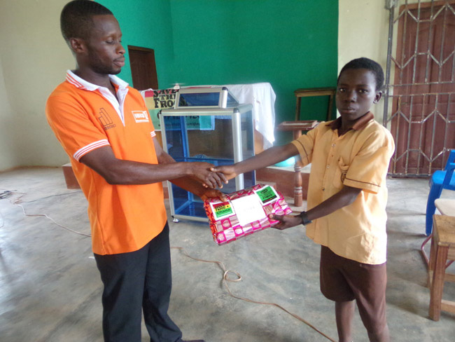 ghana young scholar receives prize