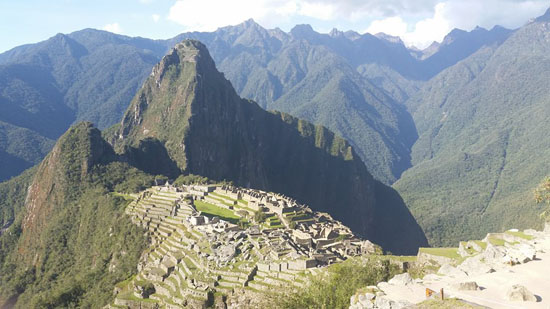 machu-picchu-overlook-tin-bindi