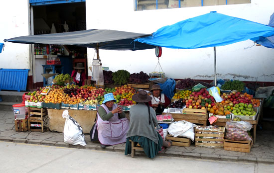 paucartambo fruit vendors